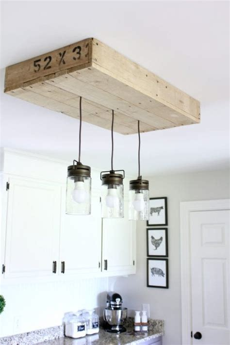 remodelaholic     pallet wood light box