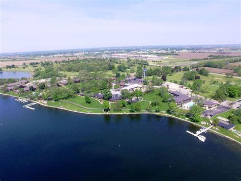 Lawn Resort Delavan Wisconsin by Book Lake Lawn Resort In Delavan Hotels
