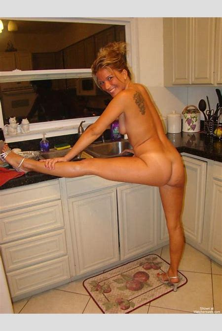 Watchersweb Amateur Milf voyeur, Amateur, Milf, FREE free, Wendy Naked In The Kitchen