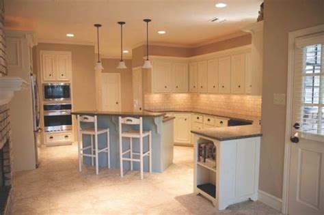 kitchen cabinets in neutral paint colors 6150