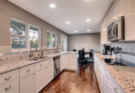 ideas to paint a kitchen some great ideas for kitchen paint colors tcg