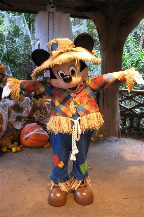 unofficial disney character hunting guide october