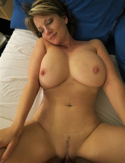 5 Pics Of Real Milf Wives having sex Wifebucket Offical Milf Blog