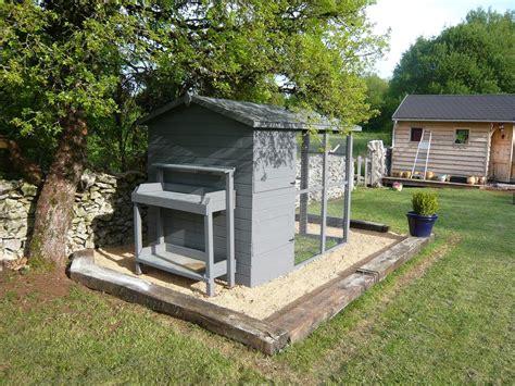 le chauffante pour poulailler poules et poulailler de travaux et de bricolage pour la maison et le jardin