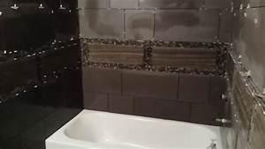 comment carreler les murs d39une salle de bains With masquer carrelage salle de bain
