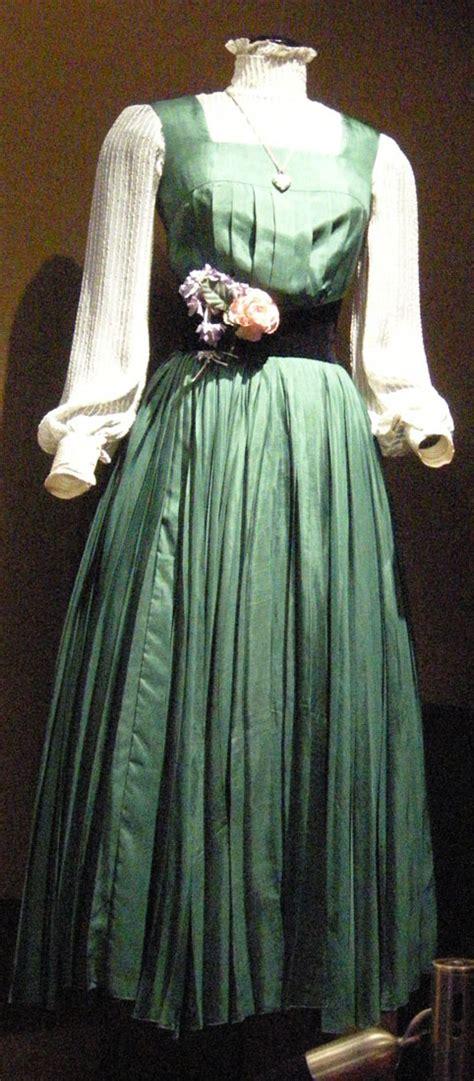 eliza fair lady doolittle movie costumes costume dress halloween cecil beaton rain audrey hepburn different ladies dresses picking enhancements silk