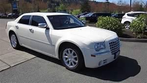 2007 Chrysler 300  White - Stock  13-2532a