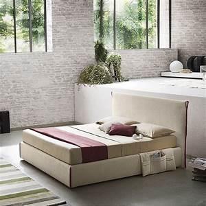 Couch Mitten Im Raum : camaleonte platzsparendes doppelbett mitten im raum arredaclick ~ Bigdaddyawards.com Haus und Dekorationen