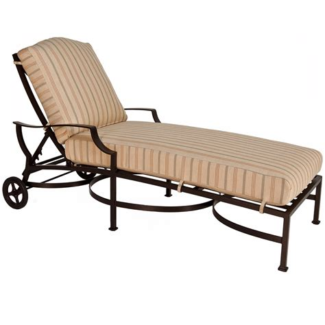 ow adjustable cushion chaise lounge and table