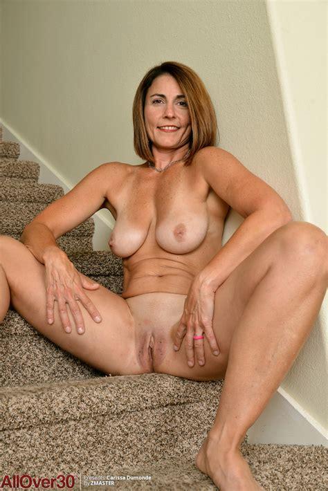 Mature Mom Carissa Dumonde Lets Her Big Boobs Sag Free