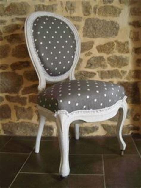 comment tapisser une chaise ancienne exemples de restauration de vieilles chaises et fauteuils home deco fauteuils