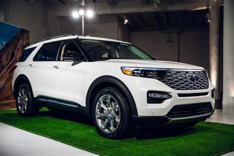 ford explorer      ground