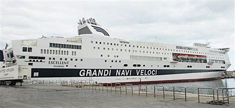grandi navi veloci cabine scopri la flotta grandi navi veloci traghetto excellent