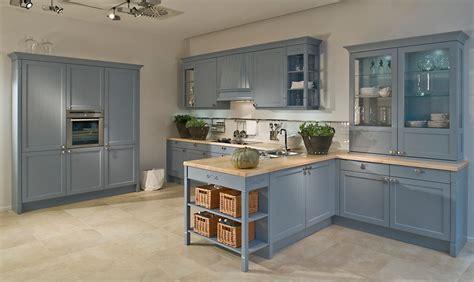 repeindre des meubles de cuisine en bois repeindre cuisine en gris repeindre un plafond avec