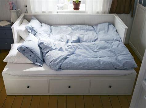 canapé gigogne ikea les 25 meilleures idées concernant canapé lit ikea sur