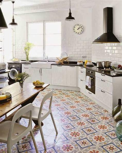 meuble pour evier cuisine comment décorer avec le carrelage ancien 62 photos pour