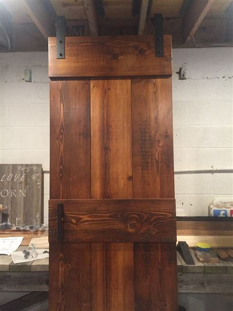 farm style barn door furniture   barn