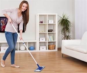 Nettoyer Du Parquet : comment nettoyer un parquet flottant toutpratique ~ Premium-room.com Idées de Décoration