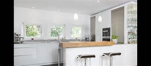 Küchen Weiß Hochglanz : mtb k che in hochglanz wei aus mineralstoff und beton ~ Markanthonyermac.com Haus und Dekorationen
