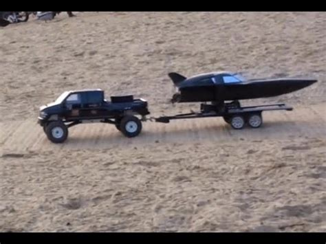 Rc Trucks Pulling Boats On Trailers by Scale 4x4 Rc Truck Gmc Topkick Towing And Launching A