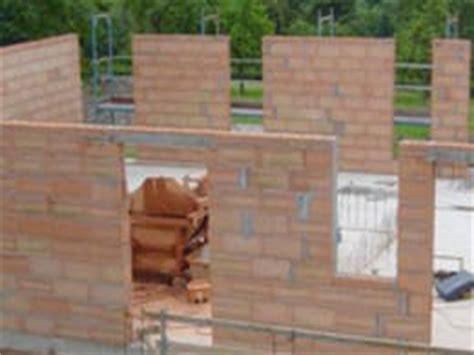 Ziegelsteine Fuer Den Hausbau by Baustoffe F 252 Rs Massivhaus Eigenschaften Vorteile