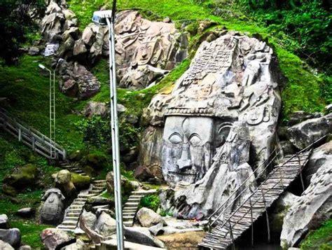 hindi meaning tourist destination worship place credit
