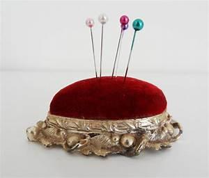 Vintage Stick Pin/Hat Pin Holder/ pin cushion / needle holder