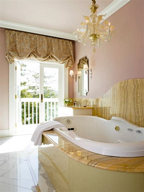 Modern Chandelier Bathtub by 20 Luxurious Bathrooms With Chandelier Lighting