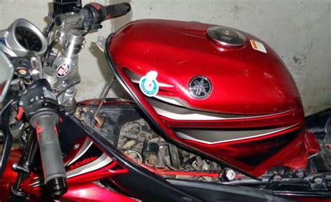Cara Membersihkan Tangki Motor by Tips Lakukan Sendiri Kuras Tangki Motor Autos Id