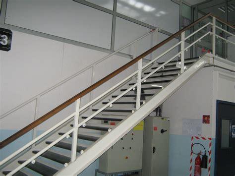 eclairage exterieur batiment industriel escalier industriel