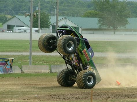 how long does a monster truck show last canfield ohio thunder drags july 25 2009
