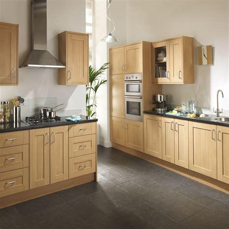cuisine incorpor馥 pas cher meuble de cuisines la cuisine vintage rcupu0027 cu0027est une cuisine au charme surran qui vise donner une nouvelle vie de vieux meubles pour un