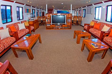 Dinner On A Boat San Jose by Galapagos Cruise Boats M Y San Jose Yacht Superior Class