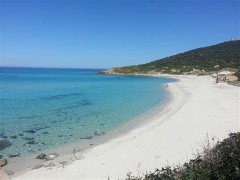 chambre d h e ile rousse chemin entre plage bodri et la plage ghuinchitu photo de