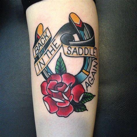 tatouage fer 224 cheval school sur avant bras pour femme idea