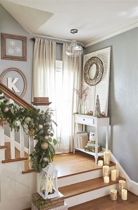 Treppe Weihnachtlich Dekorieren by Stair Landings Are Spots For Decor Set Out
