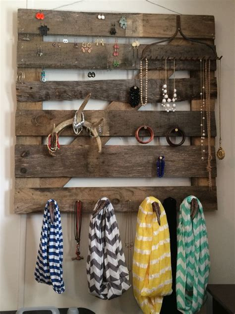 wooden pallet jewelry holder    special