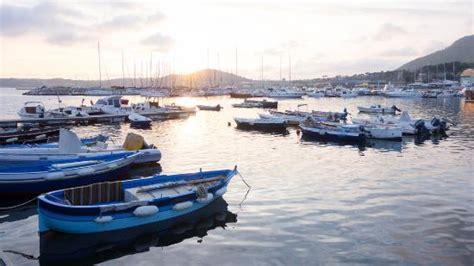 ristoranti pozzuoli porto il porto di pozzuoli foto di il capitano 1890 pozzuoli