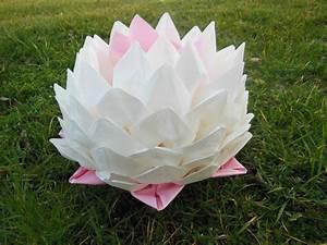Fleur En Papier Serviette : fleurs de lotus mille et un pliages de serviettes ~ Melissatoandfro.com Idées de Décoration