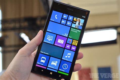 microsoft  lumia windows phone  devices   upgraded  windows   verge