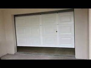 Porte De Garage Motorisée Avec Portillon : automatismes import porte de garage avec portillon int gr avec motorisation de marque agm youtube ~ Dode.kayakingforconservation.com Idées de Décoration