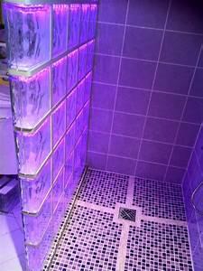 stunning douche carreau de verre photos joshkrajcikus With carrelage adhesif salle de bain avec eclairage led pour galerie d art