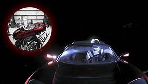 Tesla Dans Lespace : la tesla d 39 elon musk dans l 39 espace rec le des messages cach s que vous avez peut tre rat ~ Nature-et-papiers.com Idées de Décoration