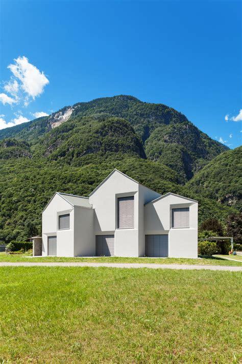 Giebel Haus Giebelhaus Davide Macullo In Der Italienischen Schweiz