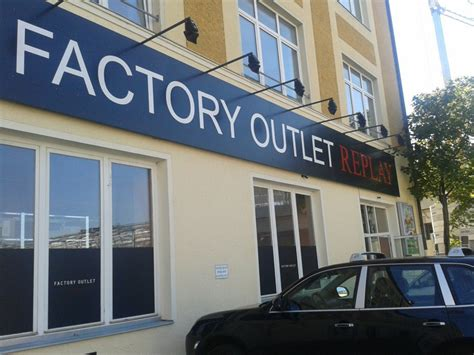 l factory outlet replay outlet m 252 nchen tiefpreise in dauerschleife