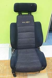 Dingz Garage  Seat Daihatsu L2 Trxx