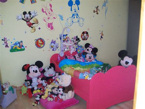 chambre enfant mickey dco chambre la maison de mickey with chambre