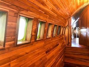 Fuselage Ou La Cabane En M U00e9tal Et En Bois  Construite Dans