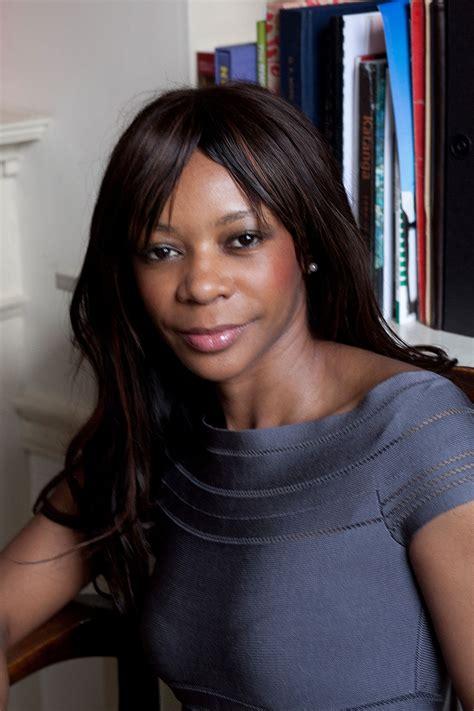 Dambisa Moyo - Wikipedia