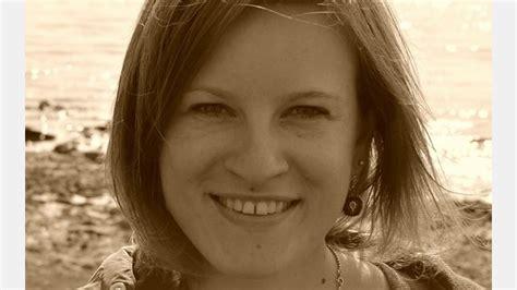 30 gadu vecumā mirusi talantīgā mūziķe Sanita Sprūža ...